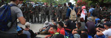 El año pasado hondureños fueron detenidos por fuerzas guatemaltecas y retornados a su país. (Foto Prensa Libre: Hemeroteca PL)
