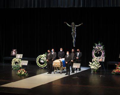 El último adiós a María Teresa Martínez en la Sala Efraín Recinos