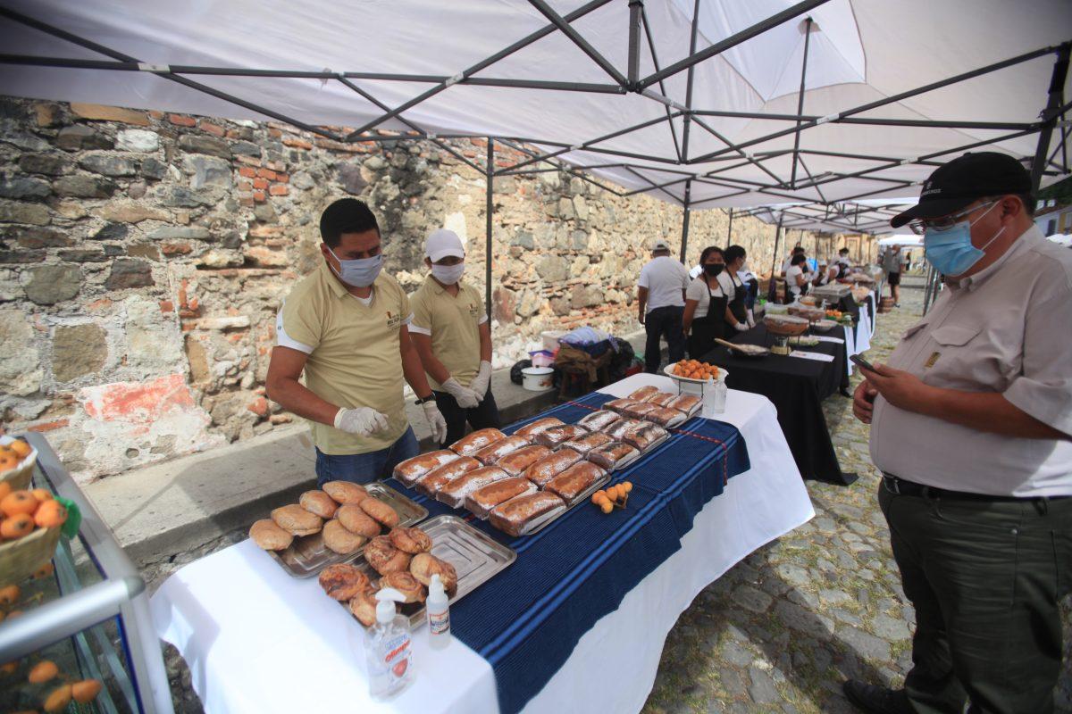 Con gastronomía y arte, Antigua Guatemala quiere reactivar la economía de emprendedores locales