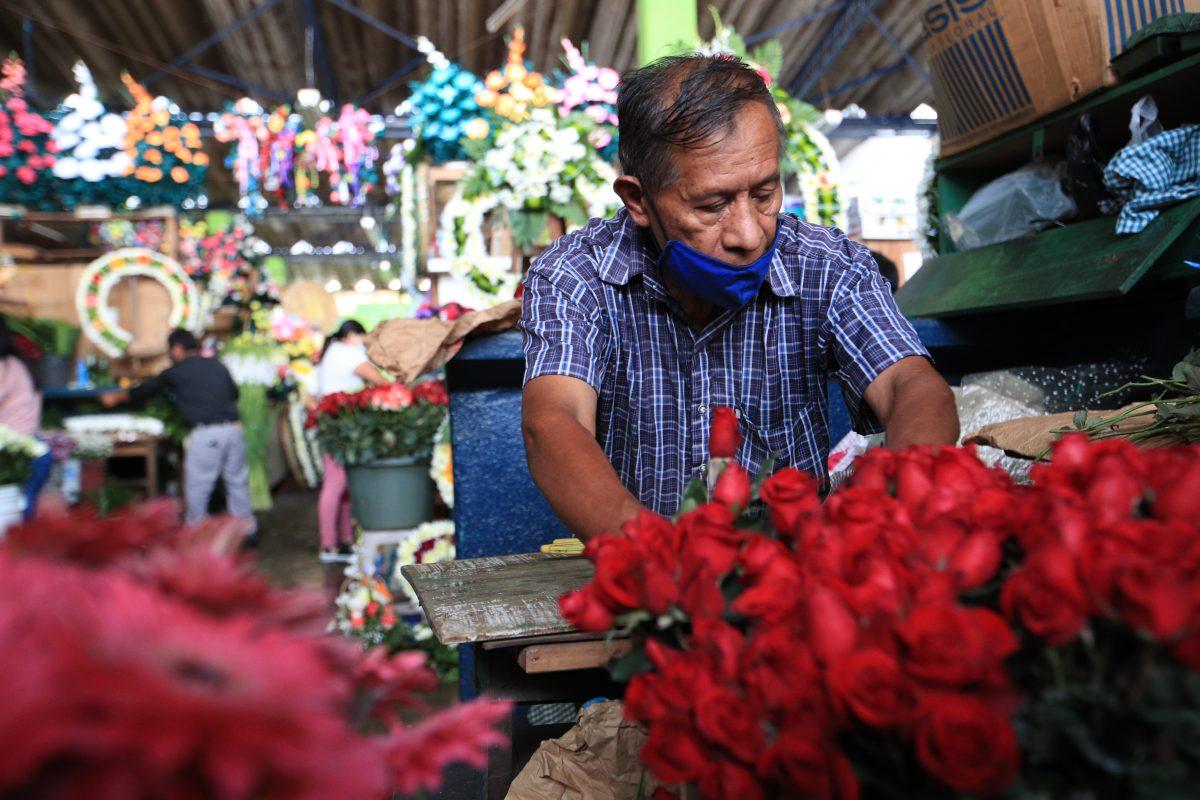 Qué comercios se vieron afectados por el cierre de los cementerios