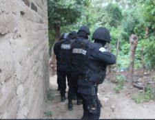 Agentes del Comando Antisecuestros participaron en el rescate. Imagen ilustrativa. (Foto Prensa Libre: PNC)