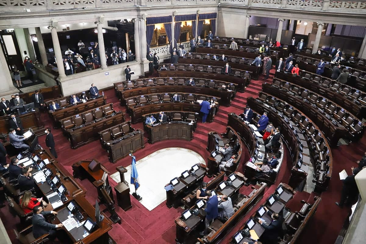 La última alianza oficial refleja la fragmentación del poder político