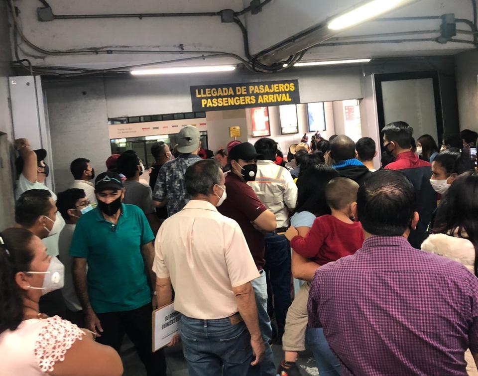 Persisten problemas en el Aeropuerto La Aurora a 36 días de su reactivación