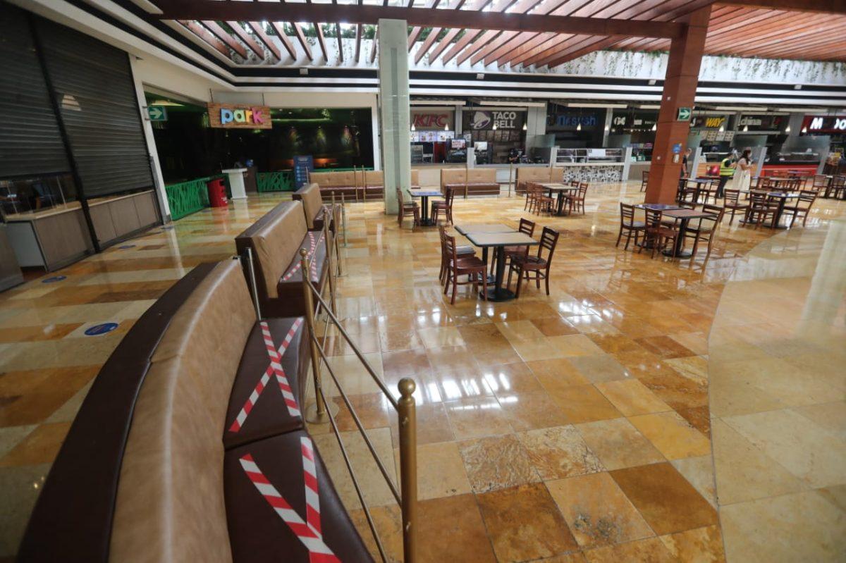 En imágenes: así se preparan centros comerciales, parques y otros lugares para la reapertura de fin de semana