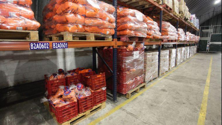 Conred almacena en bodegas de la zona 13 productos, muchos de ellos de donaciones recibidas. (Foto Prensa Libre: Hemeroteca PL)