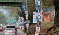 Candidatos de partidos políticos  colocan en la ciudad capital, afiches como parte de la propaganda electoral , elecciones 2019.                                                                                              Fotografía Esbin Garcia 10-05- 2019.