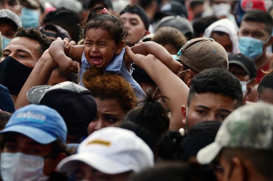 Miles de personas del Triángulo Norte Centroamericano, integrado por El Salvador, Guatemala y Honduras, emigran cada año a Estados Unidos. (Foto Prensa Libre: AFP)