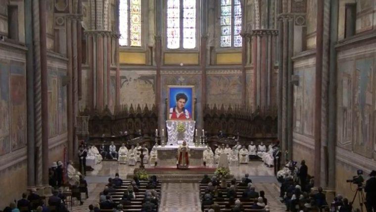 """Beatifican a Carlo Acutis, el primer """"influencer"""" de la Iglesia. (Foto Prensa Libre: Vatican News)"""
