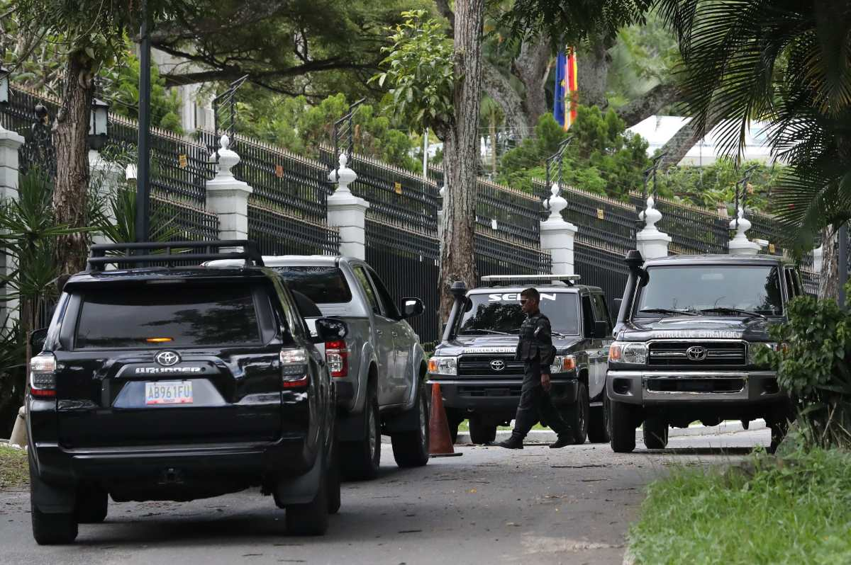 La salida de Leopoldo López de Venezuela abre una incógnita en la oposición