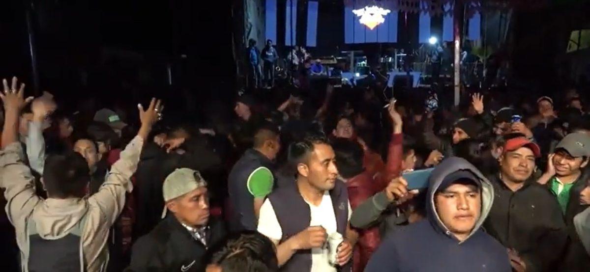 Sin mascarillas ni distanciamiento: fiesta en Chichicastenango se olvida del coronavirus