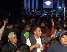 La fiesta en honor a Maximón congregó a decenas de vecinos.