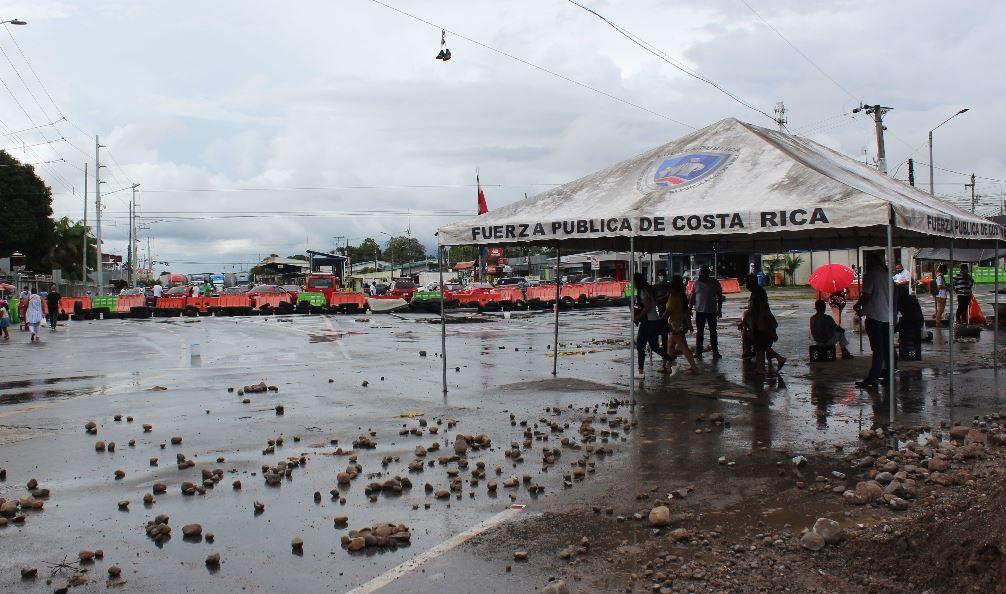 Costa Rica flexibiliza requisitos para transporte centroamericano en pandemia