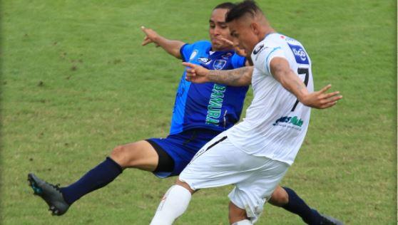 Santa Lucía y cremas no se hicieron daño en el Estadio Municipal. (Foto Prensa Libre: Comunicaciones FC)