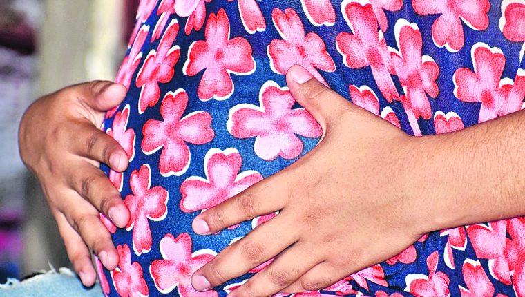 La pandemia dificulta la atención prenatal, durante y después del parto, la situación ha incrementado los casos de muertes maternas en el país. (Foto Prensa Libre: Hemeroteca PL)