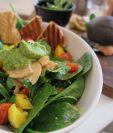 Algunos alimentos que ayudan al metabolismo son ideales para incluirlos en la cena. (Foto Prensa Libre: Pixabay)