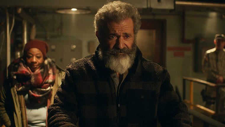 Alcohólico, deprimido y conocedor de armas es la nueva personalidad de Santa Claus.  (Foto Prensa Libre: Saban Films)