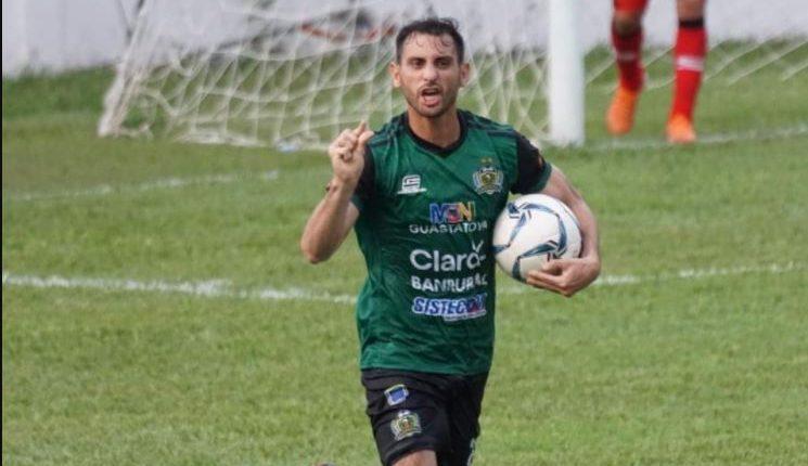 Con un gol al minuto 89 de Diego Ávila, Guastatoya rescató un empate 3-3 ante Sacachispas. (Foto Prensa Libre: Cortesía Guastatoya)