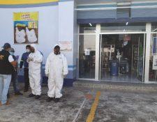 Supermercado ubicado en la 1a. avenida y 2a. calle de la zona 1 de la cabecera departamental de Escuintla, donde ocurrió fuga de amoniaco que dejó 1 muerto y ocho intoxicados. (Foto Prensa Libre: Enrique Paredes)