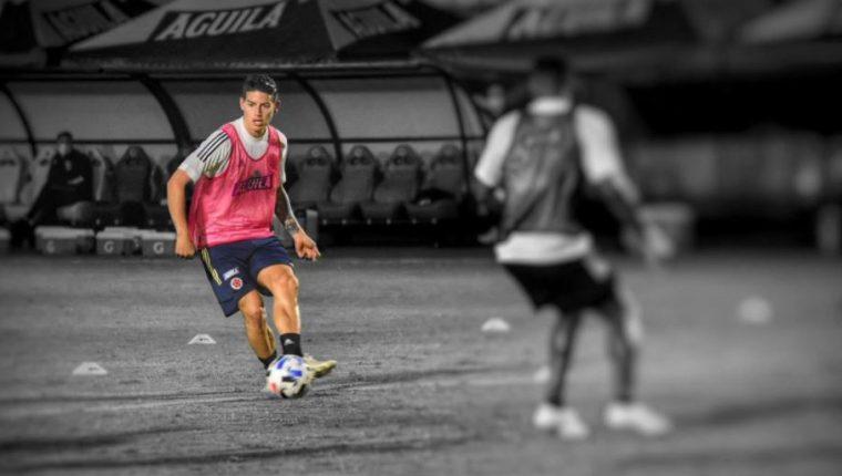 James Rodríguez, durante la práctica colombiana. (Foto Prensa Libre: Twitter @FCFSeleccionCol)