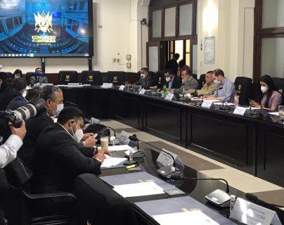 Diputados asisten a la sesión de jefes de bloques. (Foto Prensa Libre: Congreso)