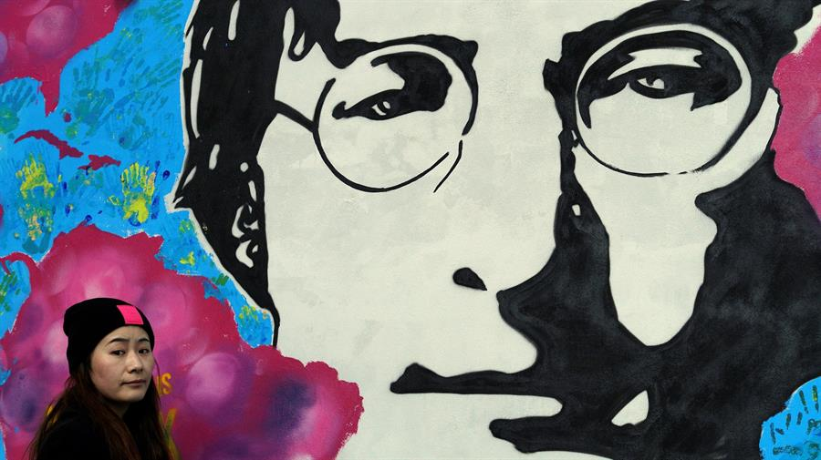 Se cumplen 80 años del nacimiento de John Lennon: las remezclas y los homenajes que recuerdan a uno de los músicos de Los Beatles