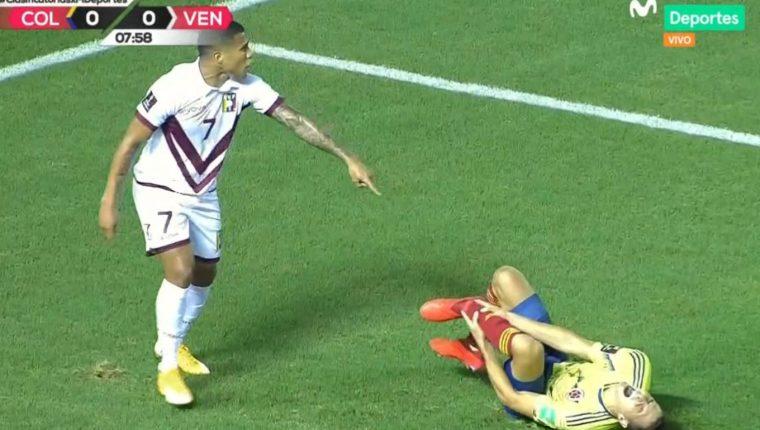 Arias sufrió una terrible lesión en el tobillo izquierdo cuando disputaba un balón con Darwin Machís. Foto Redes.