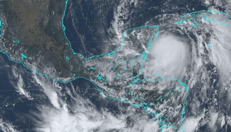 """""""Deslizamientos, lahares e inundaciones"""": advierten de contingencias por las próximas lluvias"""