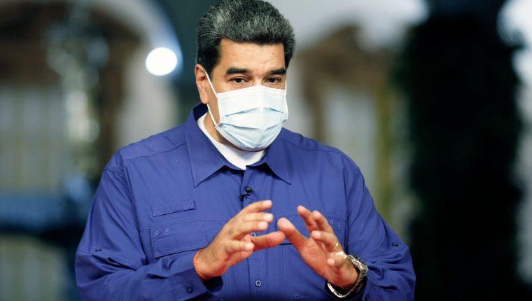 """Nicolás Maduro, asegura que una vacuna china llegará a Venezuela para la fase 3 de pruebas, en la que participarán """"miles de voluntarios"""". (Foto Prensa Libre: AFP)"""