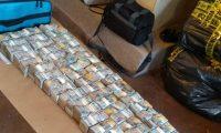 Operativo para contabilizar el dinero demoró dos días. (Foto Prensa Libre: MP)