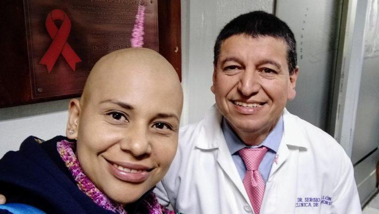 Cada paciente es ejemplo de lucha e inspiración para continuar en la búsqueda de salvar vida, explica el médico Sergio Ralón, (Foto Prensa Libre: cortesía)