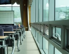 La ventilación puede prevenir el contagio del covid-19 en las aulas.  Foto: tommy pixel en Pixabay
