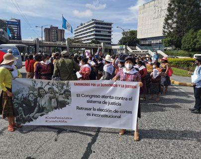 La pronta elección de magistrados para las cortes fue una de las principales consignas de la marcha. (Foto Prensa Libre: María Reneé Gaytán)