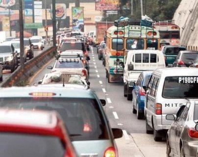 Los vehículos que acumulen tres años sin pagar el impuesto serán bloqueados por la SAT. (Foto, Prensa Libre: Hemeroteca PL).