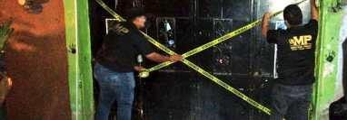 El Ministerio Público cerró el lugar donde explotaban sexualmente  a menores de edad. (Foto Prensa Libre: MP)