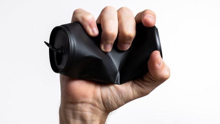 La fuerza en tu apretón de manos puede indicar la velocidad a la que envejeces.