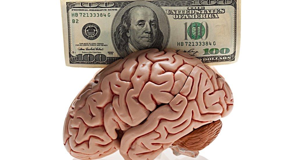 ¿Qué son las neurofinanzas y por qué algunas personas hacen dinero más fácilmente que otras? (y no siempre por trabajar más duro)