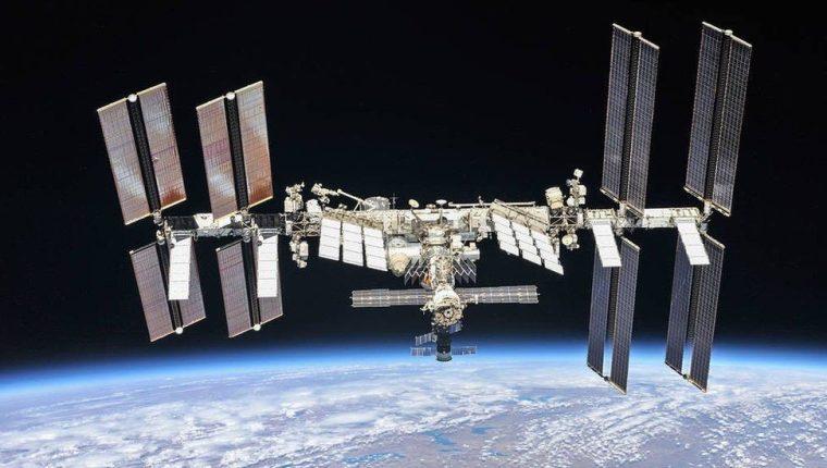 Las primeras piezas de la EEI salieron al espacio en 1998.