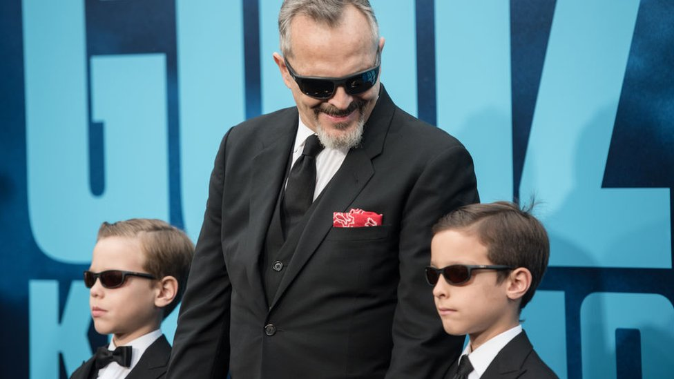 Miguel Bosé: cómo la compleja disputa por los hijos del cantante refleja los retos de los nuevos tipos de familia