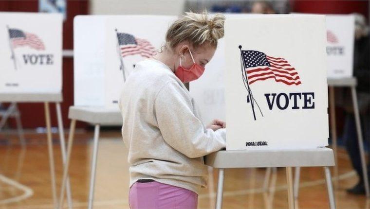 Funcionarios electorales federales y estatales rechazaron tajantemente las acusaciones de fraude.