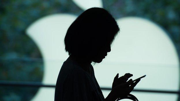 Apple pagará US$113 millones para resolver una demanda por hacer más lentos sus modelos más antiguos