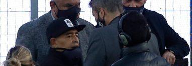 El 30 de octubre Maradona cumplió 60 años y los celebró yendo al estadio a dirigir a su equipo, el Club de Gimnasia y Esgrima La Plata.