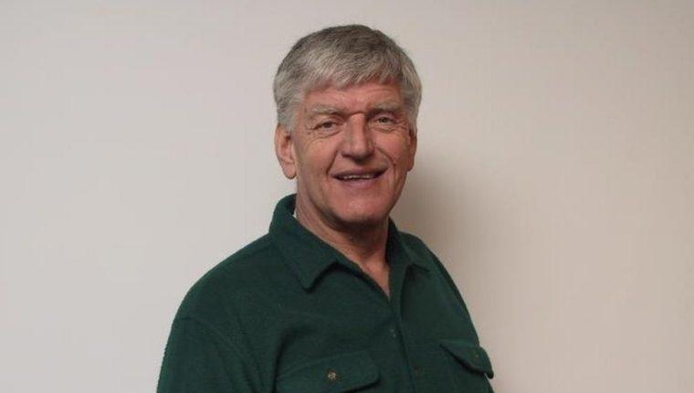 Prowse, un entrenador físico personal, fue responsable de con su hermano de abrir unos de los primeros gimnasios en Inglaterra.