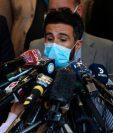 El Dr. Leopoldo Luque luego de la operación de Maradona.