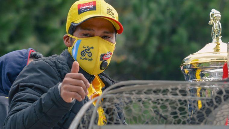 Mardoqueo Vázquez es el monarca de la sexagésima Vuelta a Guatemala. Foto Muni Toto.