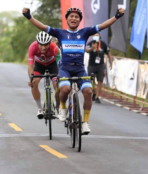 """Mardoqueo Vázquez, """"Super Mardo"""", gana la segunda etapa de la Vuelta a Chiriquí en Panamá"""