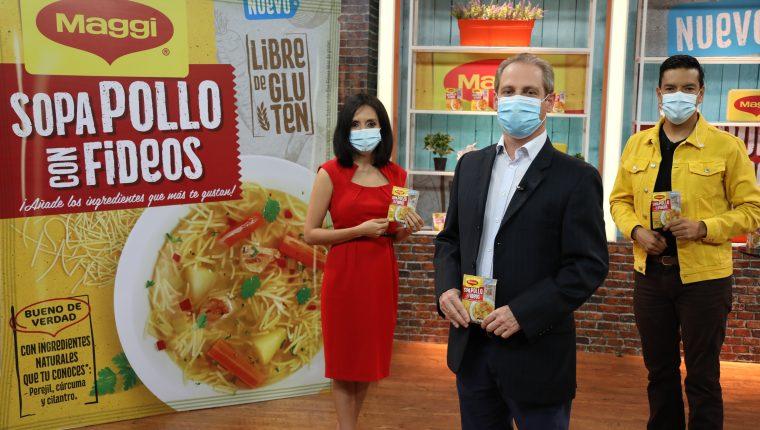 Directivos de Maggi presentaron la nueva sopa libre de gluten. Foto Prensa Libre: Cortesía.
