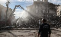 Izmir (Turkey), 02/11/2020.- Heavy equipment destroy a damged building after a 7.0 magnitude earthquake in the Aegean Sea, at Bayrakli district in Izmir, Turkey, 02 November 2020. According to Turkish media reports, at least 91 people died while more than eight hundreds were injured and dozens of buildings were destroyed in the earthquake. (Terremoto/sismo, Turquía) EFE/EPA/ERDEM SAHIN