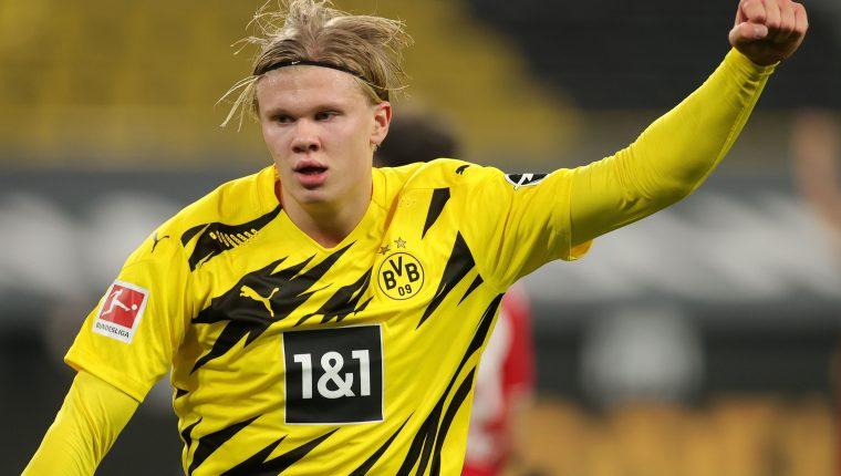 Haaland fue elegido como el mejor jugador sub 21 de una liga europea en 2020. (Foto Prensa Libre: EFE)