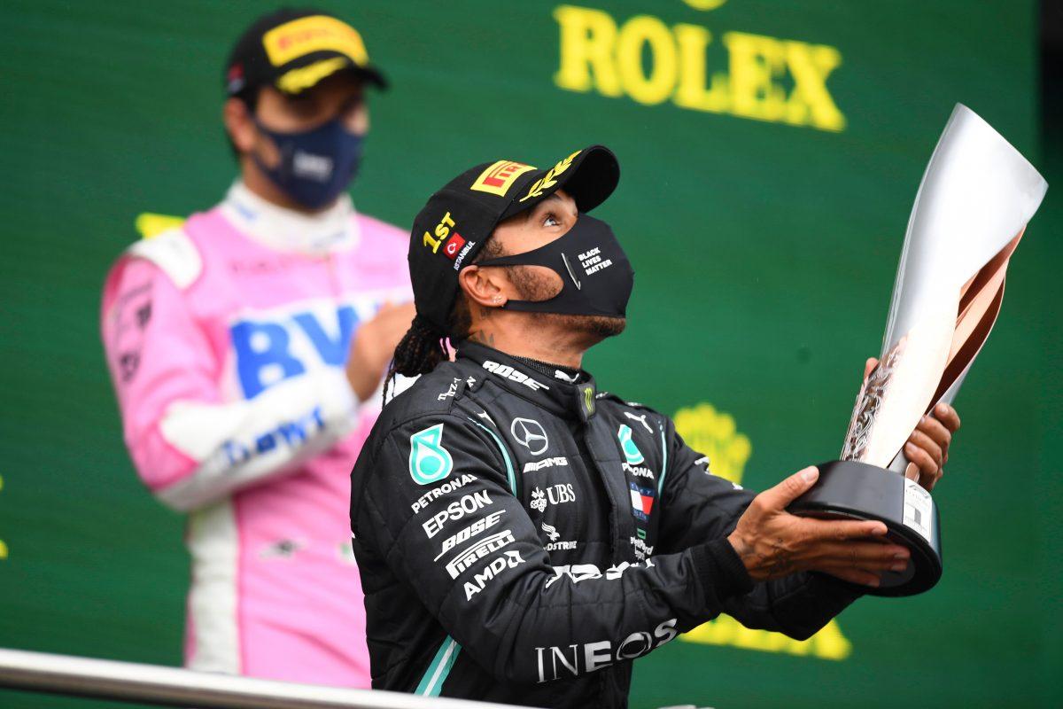 Hamilton gana en Turquía e iguala récord de siete títulos mundiales de Schumacher
