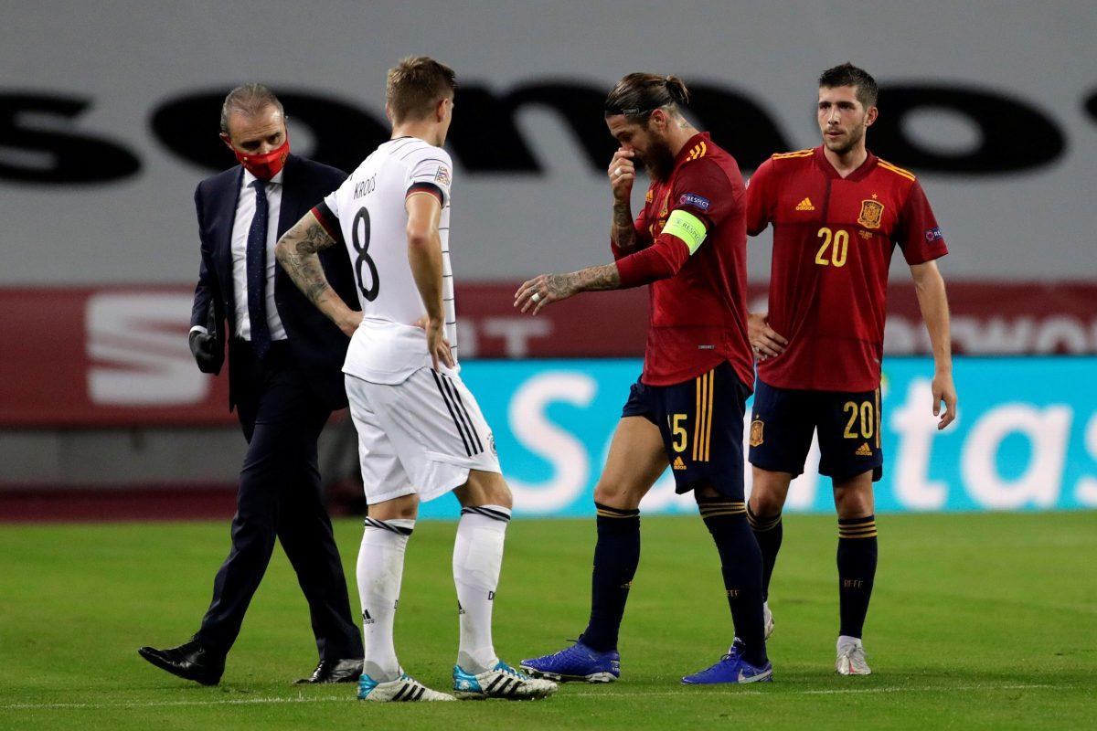 Sergio Ramos puede ser baja tres partidos por una lesión en la pierna derecha